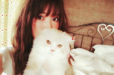 くみっきーと飼い猫のロワ