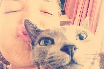 梨花と飼い猫のキョロちゃん